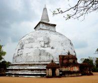 S kolesom po Polonnaruwi